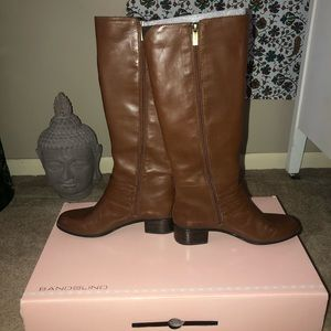 Light Brown ladies size 7.5 knee high boots